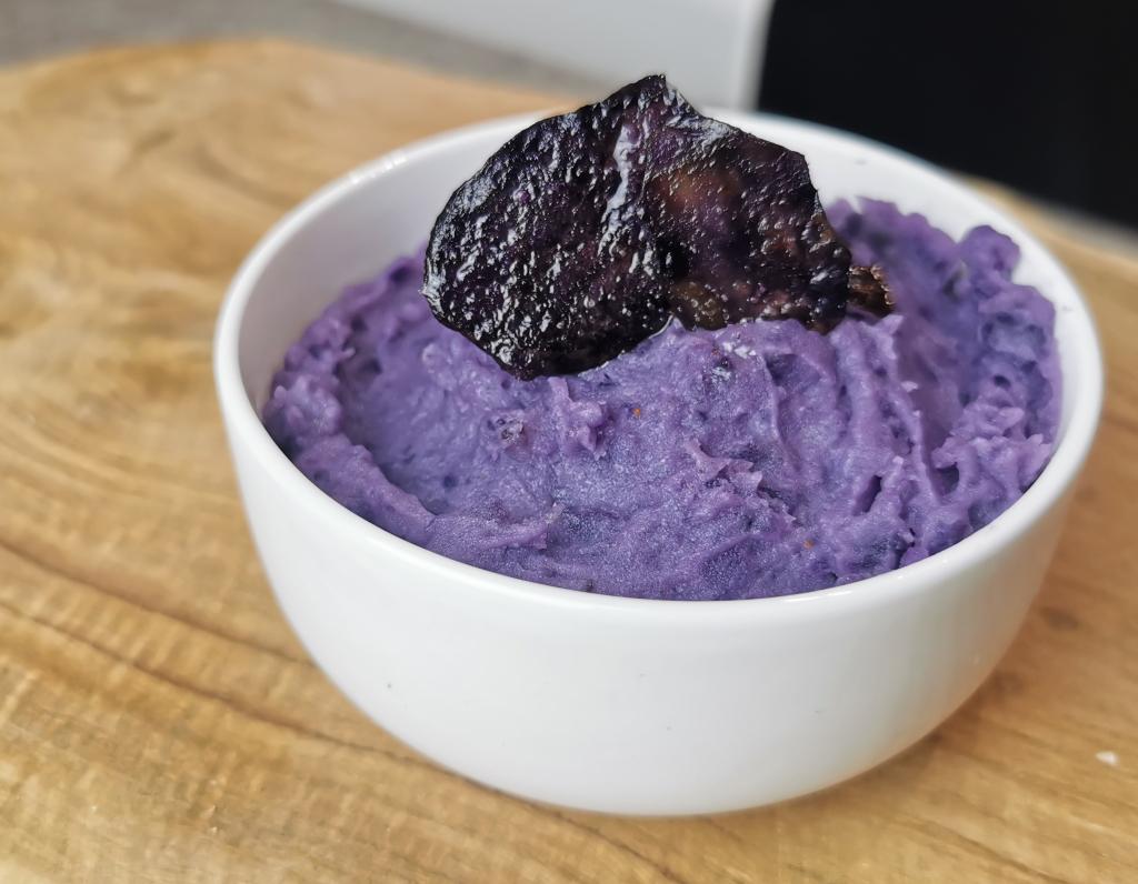 écrasé de pomme de terre violet